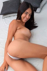 Gorgeous nubile beauty Cleo Mijares nude in Latina Dream
