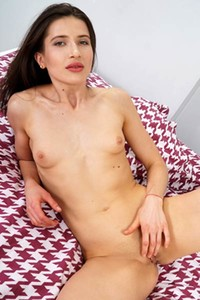 Romantic and effortlessly beautiful beauty Katy Vi enchanting in Petite Hottie