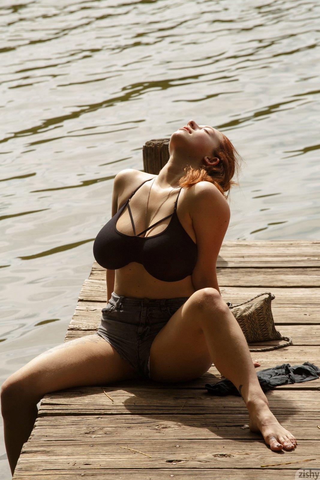 Berneray nude kelsey Kelsey Berneray's