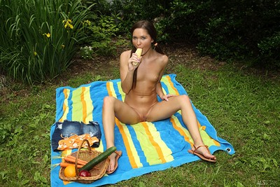 Zoe Bloom in Phallic Picnic from Als Scan