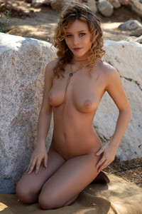 All natural hottie Alice Antoinette loves being naked and showing her small boobs and peachy ass