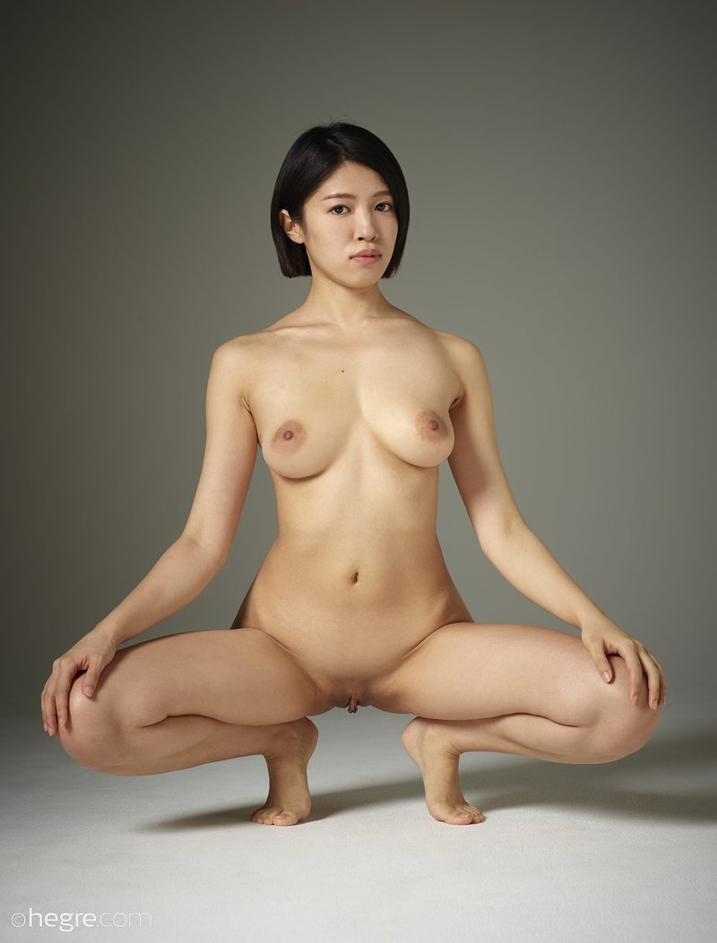 Young japanese girl naked in her room