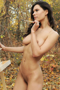 Suzanna A lonely artist simply adores doing some painting totally naked in the woods