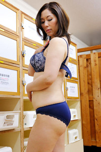 Sexy yet charming all gravure model Chisato Shida seductive in Let Me Be Your Wife