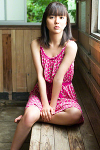 Graceful all gravure model Erina Mano bares her smoking hot body in First Date