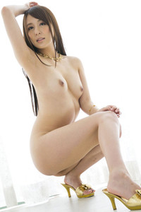Perfectly Shaped beauty Jessica Kizaki naughty in Gold Steps