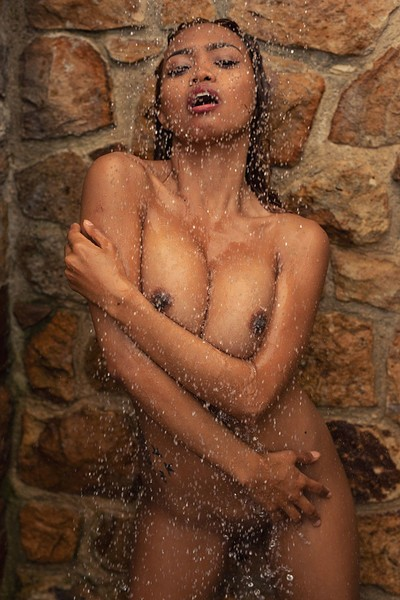 Cruzlyn in Shower Mode 2 from Photodromm