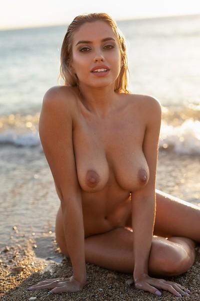 Margot in Splash 2 from Photodromm