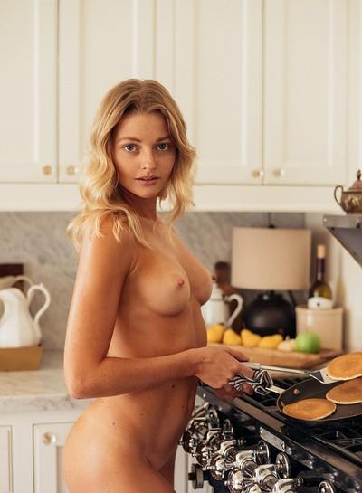 Samperi nude megan Sporty Megan