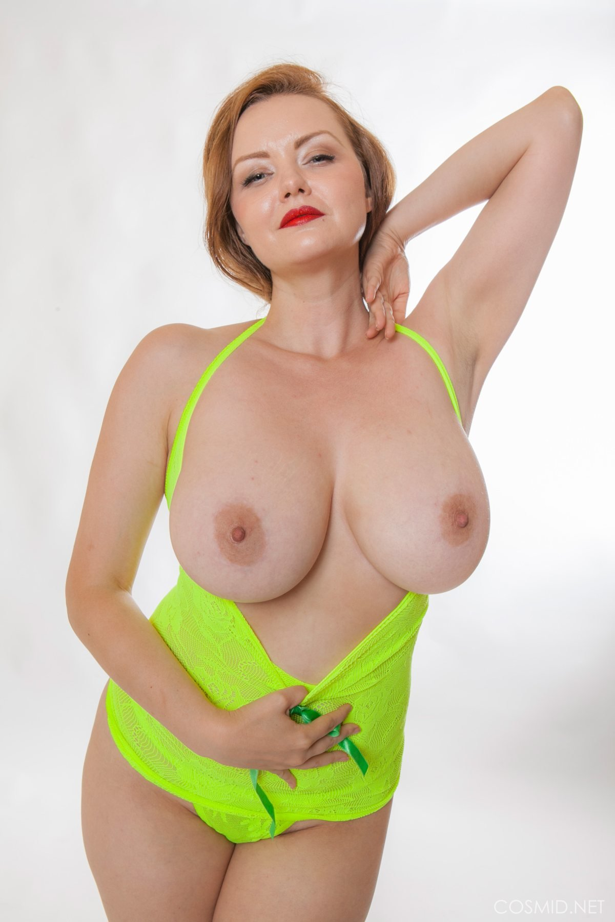 Natasha dedov nackt
