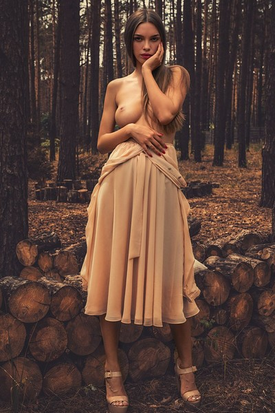 Alina in In The Wood from Photodromm
