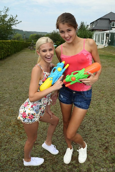 Cindy Shine and Kiara Cole in Water Duel from Als Scan