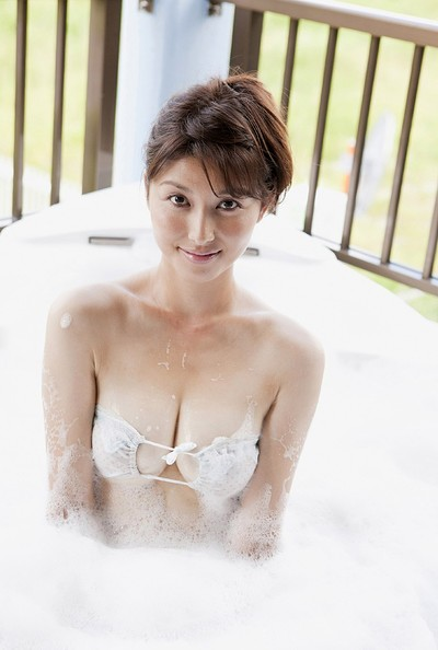 Manami Hashimoto in Suds And Sand from All Gravure