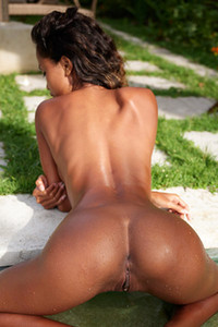 Take your clothes off and enjoy a nice sunny day on the poolside with Putri