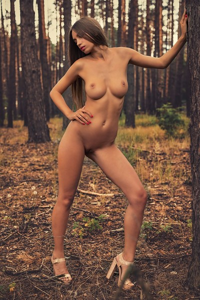 Alina in In The Wood 2 from Photodromm