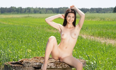 Annasia in Meadows 2 from Showy Beauty
