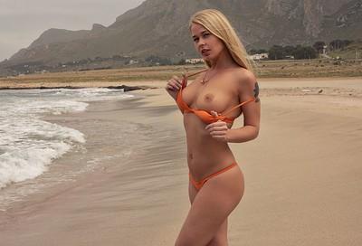 Darina in Waves On The Beach II from Photodromm