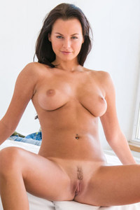 Mina busty brown haired hottie spreads her pussy lips so you can have a great view