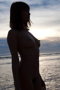 Blossoming young allgravure girl Asuwakana Kirara nude in Beach Tease