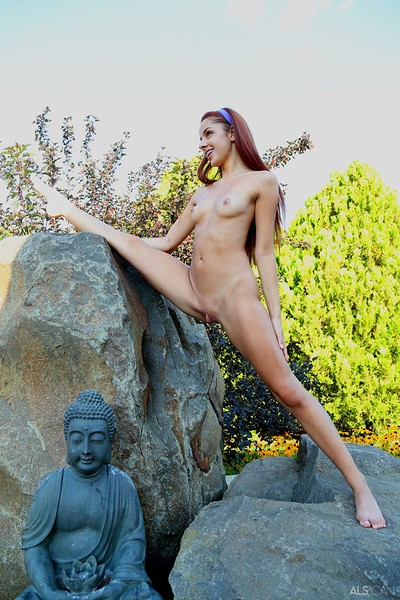 Vanna Bardot in Elastic Girl from Als Scan