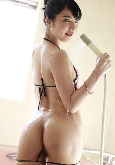 Yuana Kana in Morning Shower from All Gravure