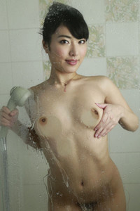 Cute doll allgravure girl Yuana Kana seductive in Morning Shower
