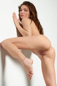 Cute but seductive model Veronika V shows off her gorgeous feminine curves
