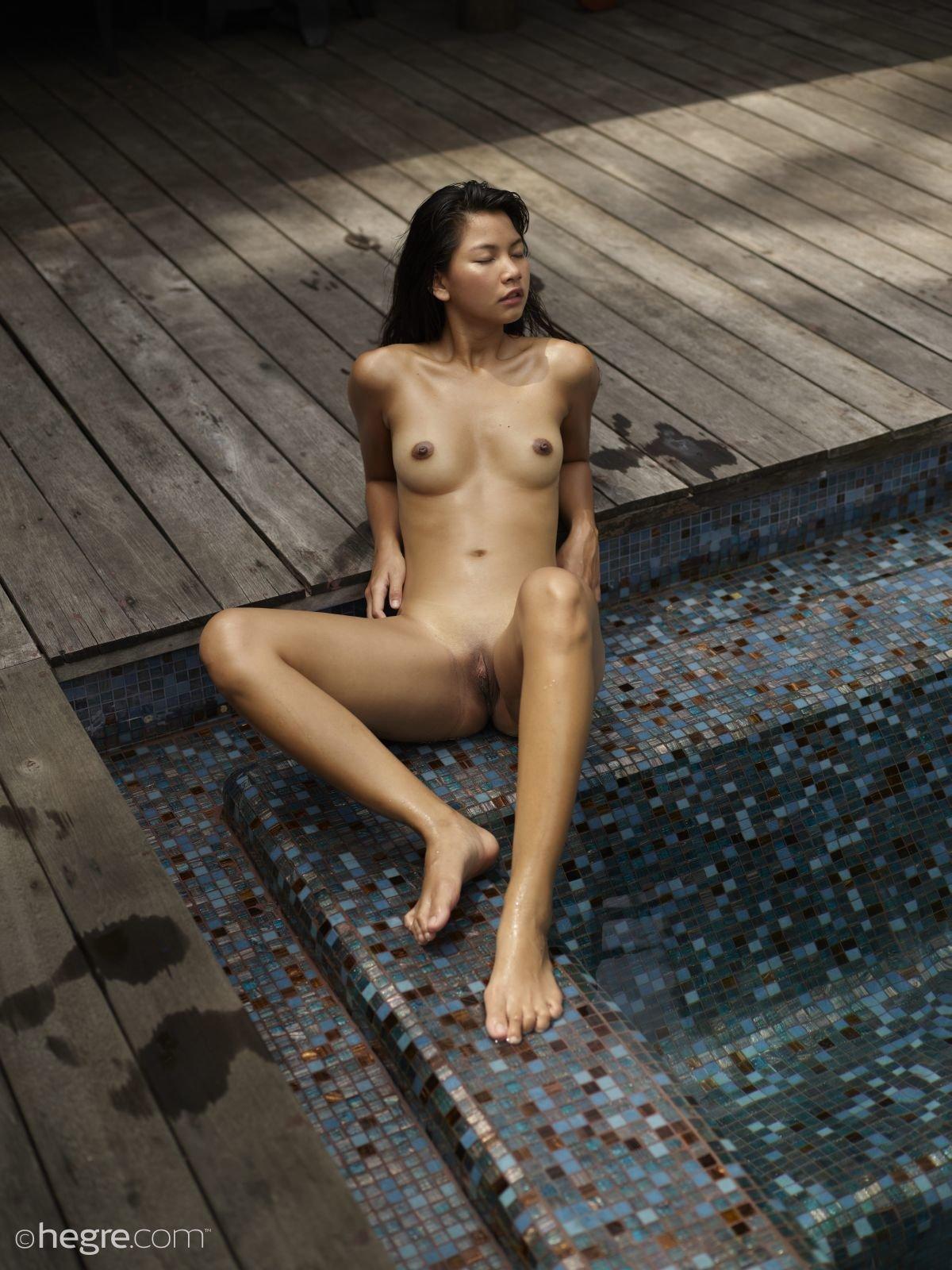 Model pics nude KJ Apa