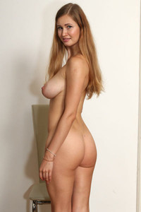 Stella Model Nude