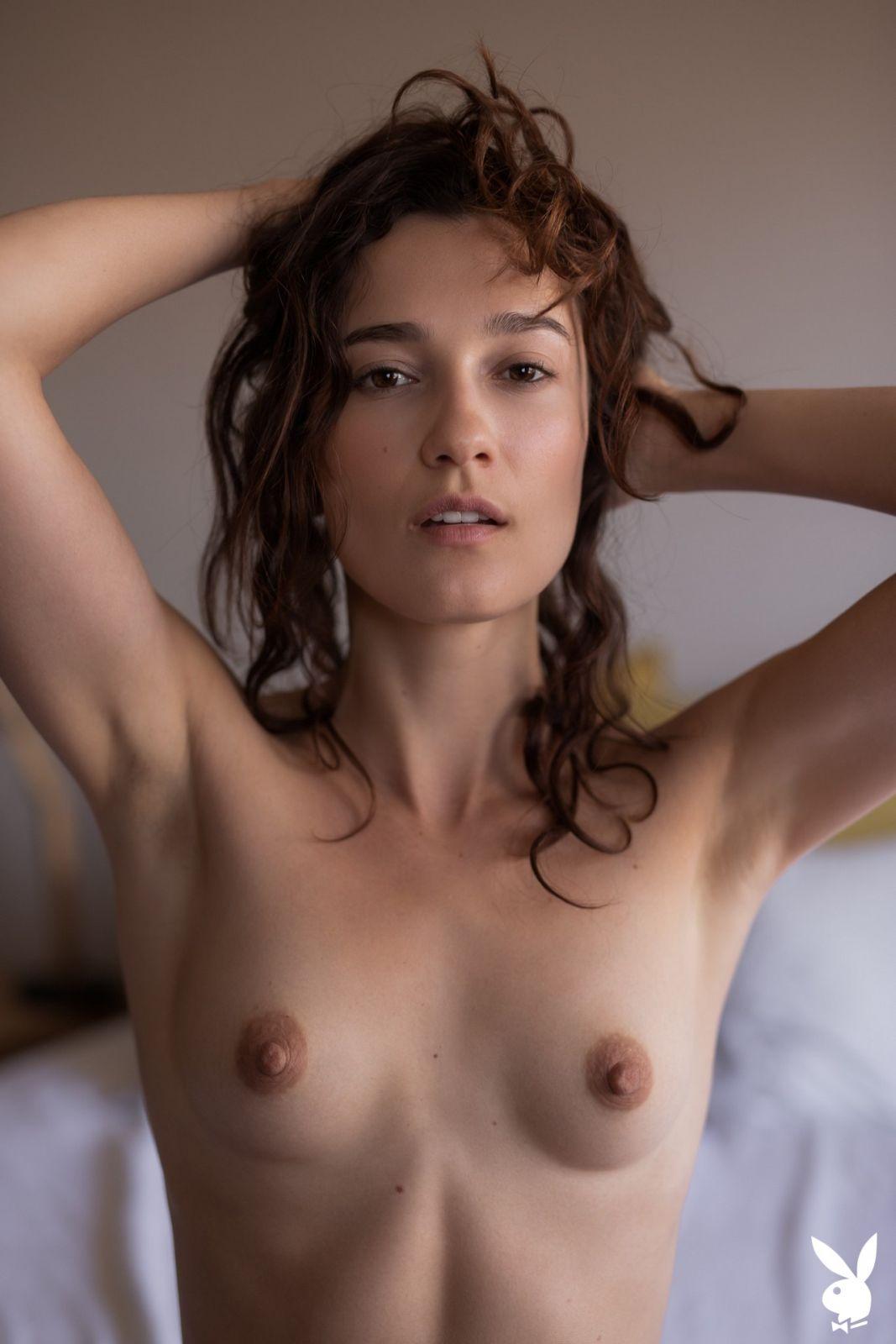 Lolobe nude