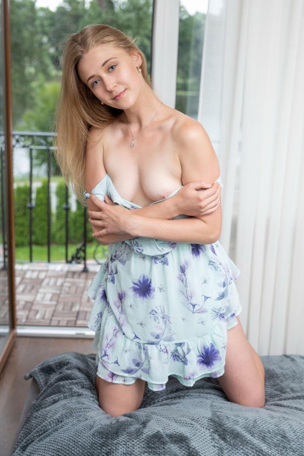 Sexy male cumshot pics