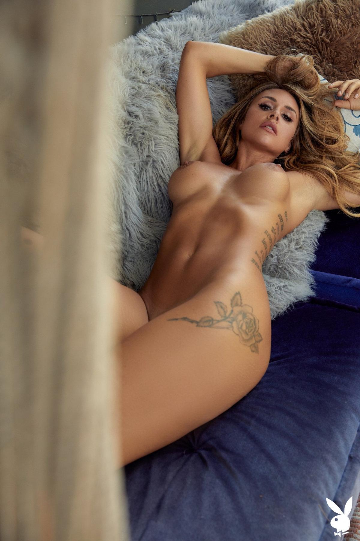 Silver nude
