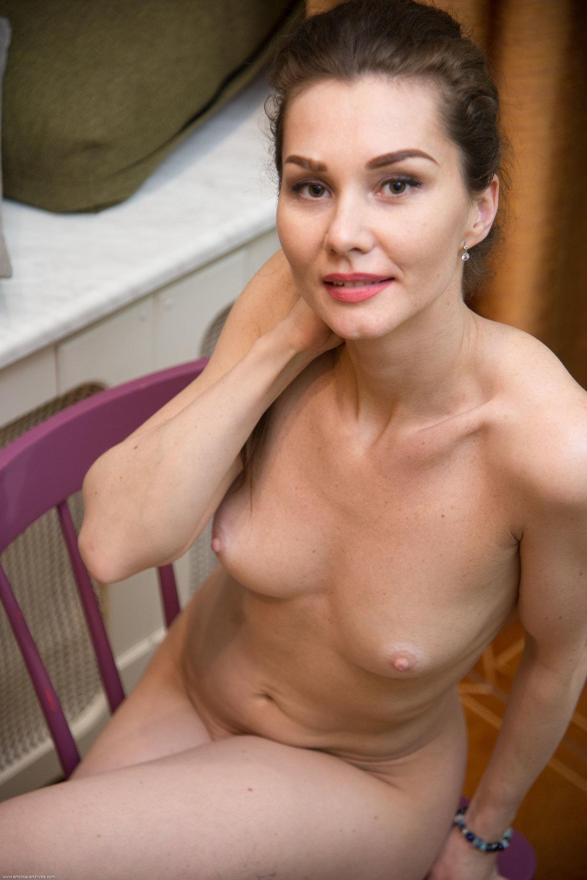 Angelika Gee 30