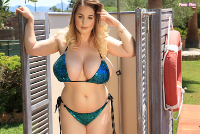 Holly Garner in Vol 3 Set 1 from Pinup Files