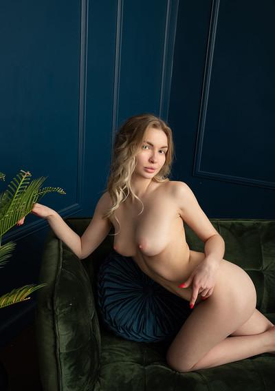 Sophie in Fine Impress from Showy Beauty