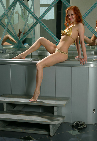 Carolina in Silver jacuzzi from Stunning 18