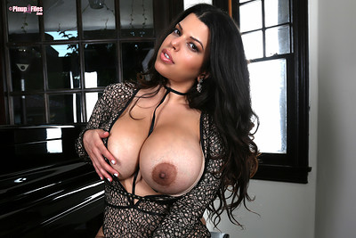 Lana Blanc in Vol 3 Set 1 from Pinup Files