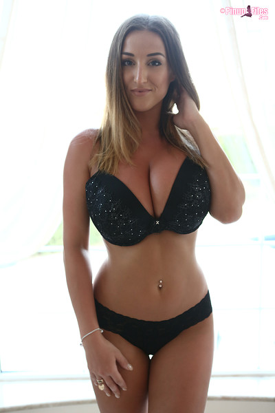 Stacey Poole in Vol 11 Set 1 from Pinup Files