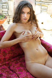 Veronika Glam wants you to enjoy her sensual naked posing