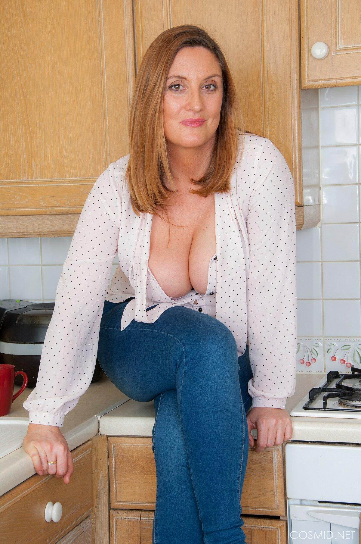 Jenny Baxter  nackt
