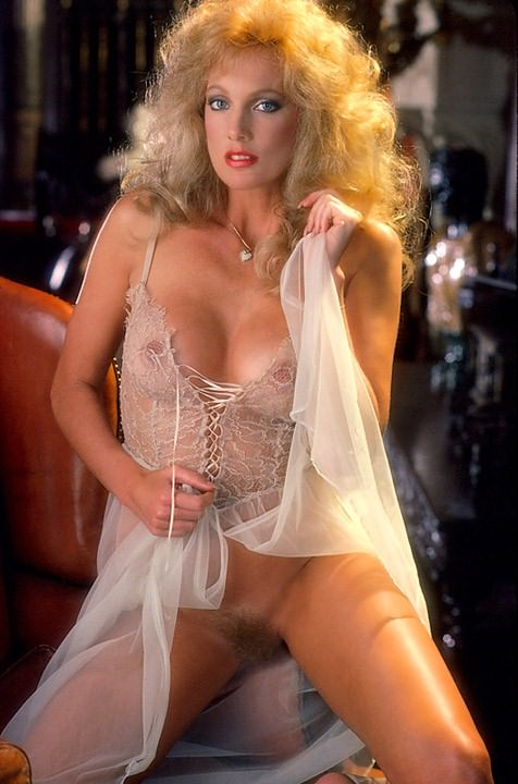 Kathy Shower  nackt
