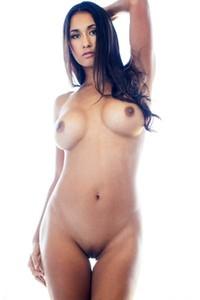 Jeannie nackt Santiago Jeannie Santiago